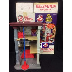 VINTAGE Kenner REAL GHOSTBUSTERS FIREHOUSE Headquarters playset W/ BOX