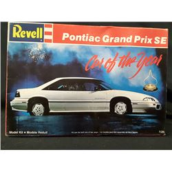 Revell 1/25 PONTIAC GRAND PRIX SE Plastic Model Kit (UNBUILT IN BOX)