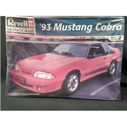 REVELL 1993 FORD MUSTANG COBRA 1/25 Model Car (UNBUILT IN BOX)