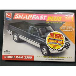 AMT/ERTL 1994 Dodge Ram 2500 1/25 scale Snapfast Plus kit (UNBUILT IN BOX)