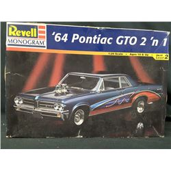 REVELL  '64 PONTIAC GTO  - 2 in1 - 1/25 SCALE -  (UNBUILT IN BOX)