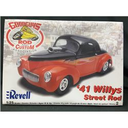 Revell '41 Willys Street Rod Good Guys Rod & Custom Assoc.(UNBUILT IN BOX) 1:25 Scale