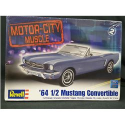 REVELL MOTOR-CITY MUSCLE - '64 1/2 FORD MUSTANG CONVERTIBLE MODEL KIT (UNBUILT W/ BOX