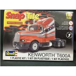 Revell 1/32 Scale Kenworth T600A Truck Model Kit (UNBUILT IN BOX)