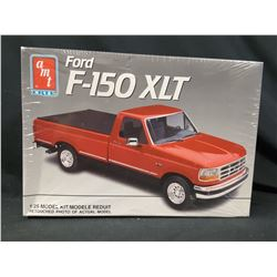 AMT/ERTL 1992 F-150 XLT PICKUP TRUCK 1/25 Model Car Mountain KIT (UNBUILT IN BOX)