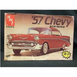 AMT ERTL MODEL KIT 57' CHEVY BEL-AIR HARD TOP NOS 1:25 SCALE (UNBUILT IN BOX)