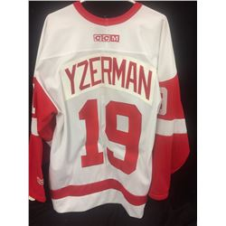 AUTHENTIC V YZERMAN DETROIT RED WINGS JERSEY NEW