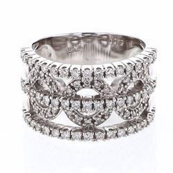 18KT White Gold 0.79ctw Diamond Ring