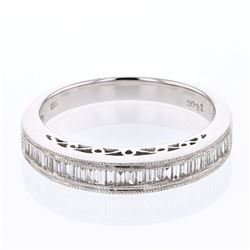 18KT White Gold 0.32ctw Diamond Wedding Band