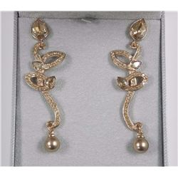 Ladies MMCrystal Earrings, with Rose Gold Plated.