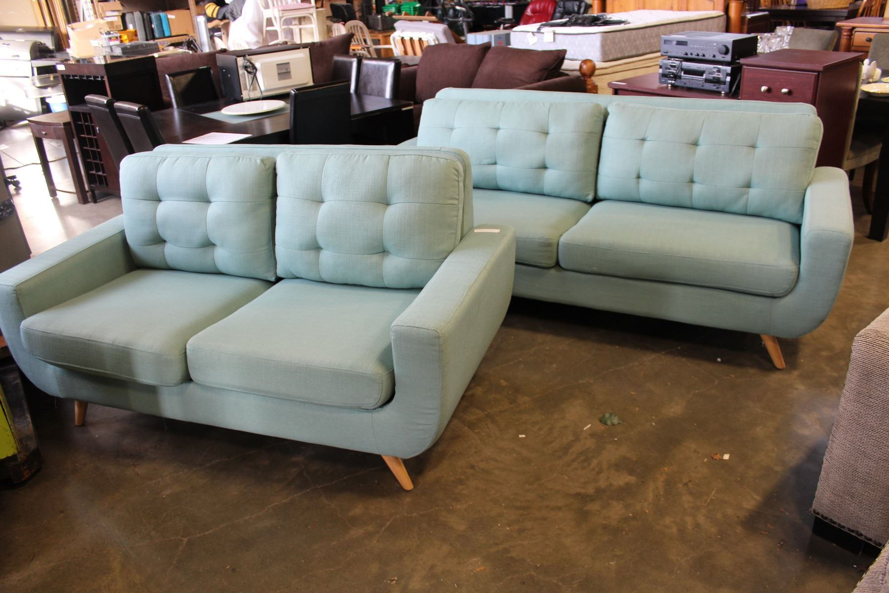 Floor model home elegance modern chenille tufted sofa and loveseat removable back cushions retail Chenille sofa and loveseat