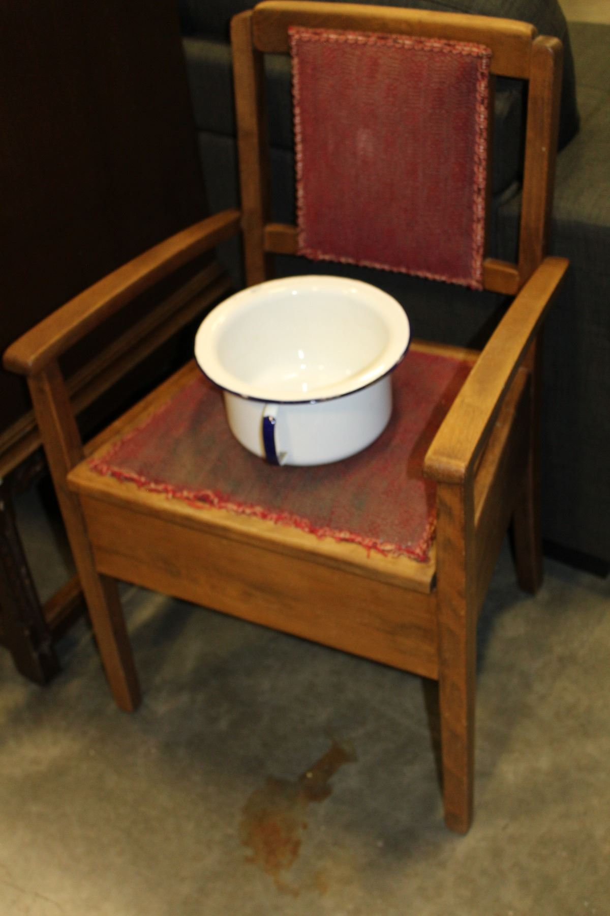 Image 1 : VINTAGE POTTY CHAIR AND CHAMBER POT ... - VINTAGE POTTY CHAIR AND CHAMBER POT