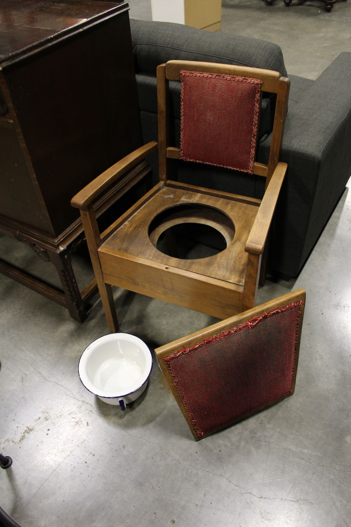 VINTAGE POTTY CHAIR AND CHAMBER POT