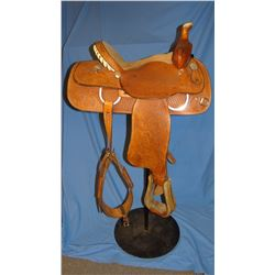 "Crates 14"" roper, dble rigged, saddle is like new"