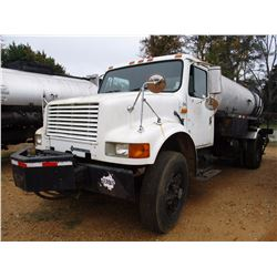 1992 INTERNATIONAL 4700 ASPHALT DISTRIBUTOR, VIN/SN:1HTSCPEN7NH431220 - S/A, IHC DIESEL ENG, 5 SPD T