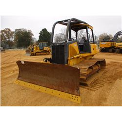2005 JOHN DEERE 700J CRAWLER TRACTOR, VIN/SN:111758 - 6 WAY BLADE, SWEEPS, CANOPY, METER READING 8,7