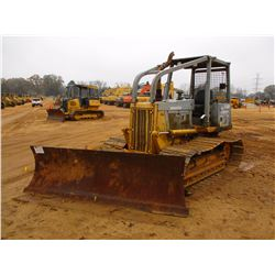 KOMATSU D38P-1 CRAWLER TRACTOR, VIN/SN:P085807 - 6 WAY BLADE, SWEEPS, REAR SCREEN, CANOPY, METER REA