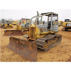 KOMATSU D38P-1 CRAWLER TRACTOR, VIN/SN:P086111 - 6 WAY BLADE, SWEEPS, REAR SCREEN, CANOPY, METER REA