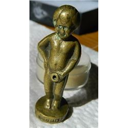 "BRASS BOY - 44gm - ~2 1/4"" TALL - HOLE THROUGH MIDDLE - SEE IMAGE - MARKED ""BRUXELLES"" (Manneken Pis"