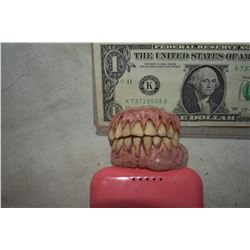 ALIEN DEMON CREATURE ZOMBIE VAMPIRE TEETH UNRESEARCHED SET 11