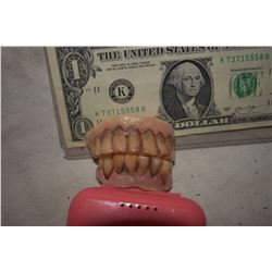 ALIEN DEMON CREATURE ZOMBIE VAMPIRE TEETH UNRESEARCHED SET 12