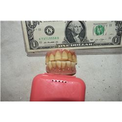 ALIEN DEMON CREATURE ZOMBIE VAMPIRE TEETH UNRESEARCHED SET 16