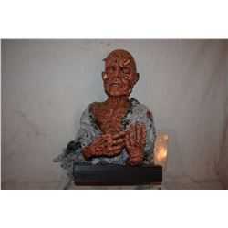 TRUE BLOOD SCREEN USED EMACIATED VAMPIRE BUST