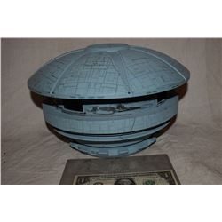 ZZ-CLEARANCE BATTLESTAR GALACTICA PROTOTYPE CYLON BASE MINIATURE