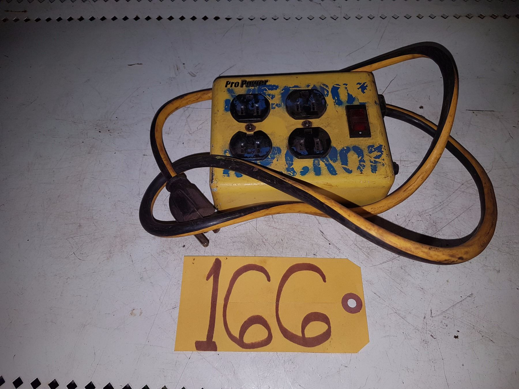 Electric Extension With Multiple Outlet 110v Wiring Receptacles Image 1