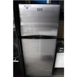 FRIGIDAIRE STAINLESS STEEL APARTMENT SIZE FRIDGE