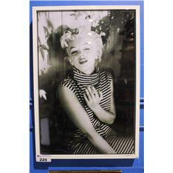 MARILYN MONROE FRAMED PHOTO