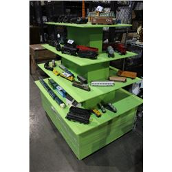 GREEN RETAIL DISPLAY SHELF - TRAINS NOT INCLUDED