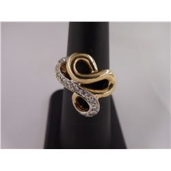 sz6 -14kt Gold and Diamond Ring