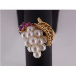 Sz: 6 - 14KT Gold Ring with Pearls and Rubies