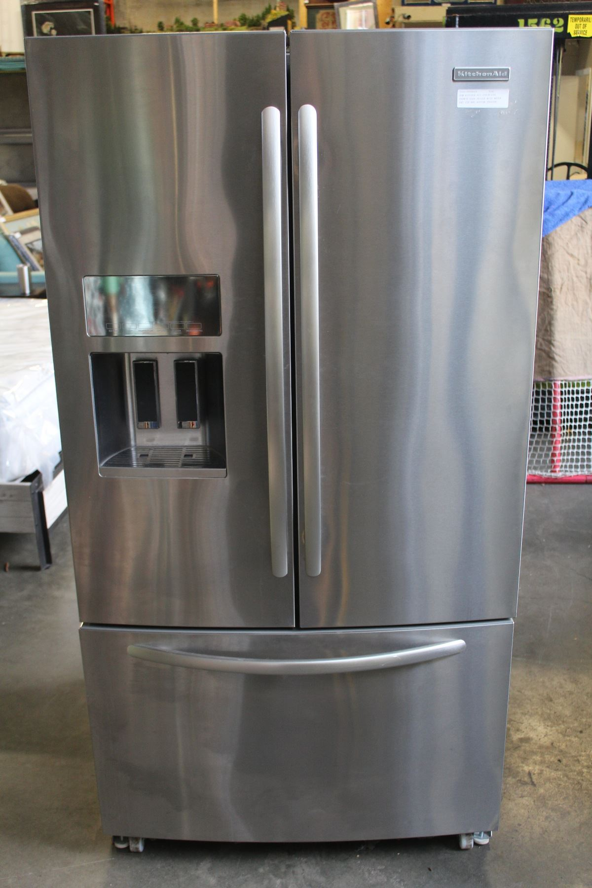 New Kitchen Aid Stainless French Door Fridge With Water And Ice And