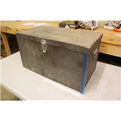 """Vintage Ice Chest/Cooler w/Dividers (13.5""""x24.5""""x13.5"""")"""