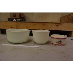 Vintage Mixing Bowls (3)(2 Sunbeam)