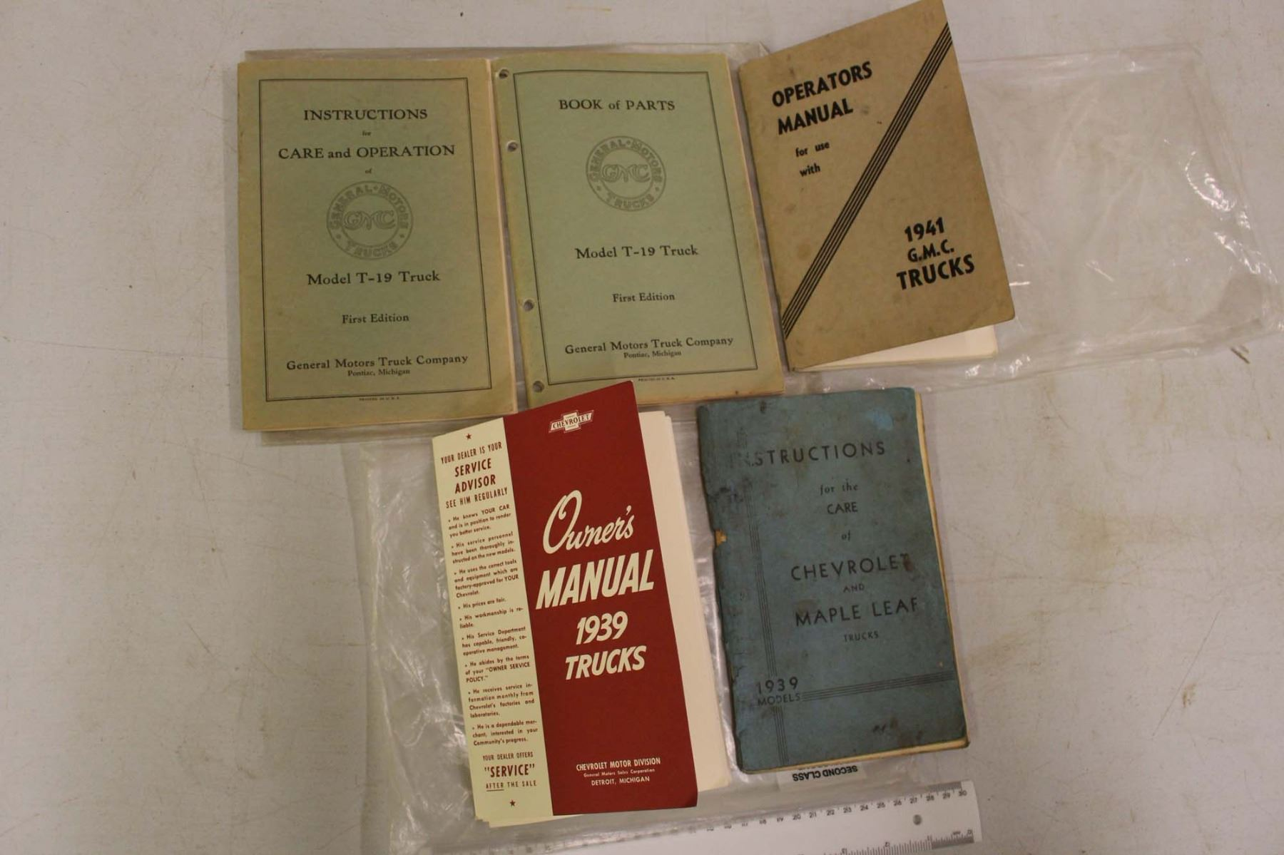Image 1 : 1939&1941 Chevrolet Truck Owners Manuals& GMC Model T-19 Truck  Instruction Manual ...