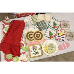 Lot of Dish Cloths, Heat Mats & Aprons