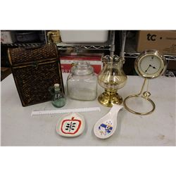 Lot of Misc (Lamp, Clock, Containers, Etc)
