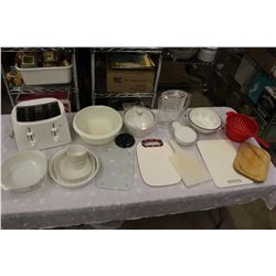 Lot of Misc Kitchenware (Working Toaster)