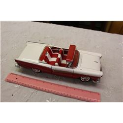 1957 Ford Skyliner, 1/18 Scale Die Cast Model, Convertible, Sun Star, 2000