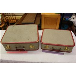 Matching Vintage Suitcases (2)