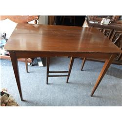 Gate Leg Table w/ 2 Leafs