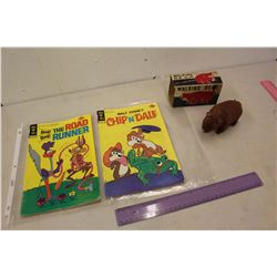 1940s Wind-Up Walking Bear & Gold Key 30 Cent Comics (2)