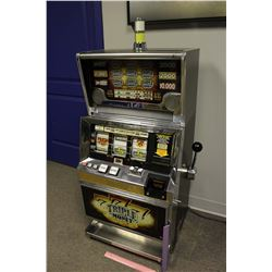 Slot Machine (Working, Takes US Coins)