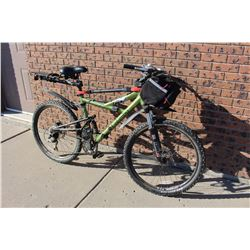 "19"" Columbia Bike With Front Bag"