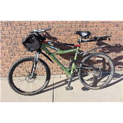 "17"" Columbia Bike With Saddle Bag"