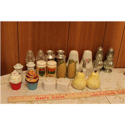 Lot Salt And Pepper Shakers (11) Sets