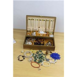 Vintage Jewellery Box And Contents (Costume)